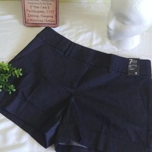 "New York & Company Women. 4"" Inch Short. Size 8"